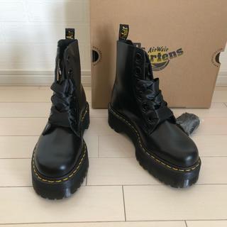 ドクターマーチン(Dr.Martens)の【新品未使用】24.5ドクターマーチン 厚底ブーツ MOLLY BUTTERO(ブーツ)
