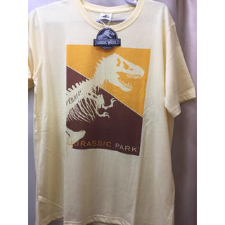 ユニバーサルエンターテインメント(UNIVERSAL ENTERTAINMENT)の新品 黄色 ジュラシックパーク Tシャツ 半袖 ジュラシックワールド USJにも(Tシャツ/カットソー(半袖/袖なし))