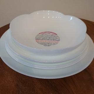 ヤマザキセイパン(山崎製パン)のヤマザキ春のパンまつり 白いお皿5枚(食器)