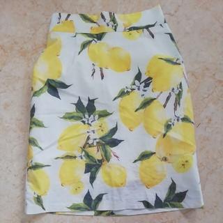 プールスタジオ(pool studio)の美品プールスタジオ、レモン柄の可愛いスカート、サイズ記載なし。(ひざ丈スカート)