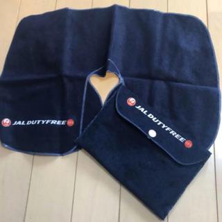 ジャル(ニホンコウクウ)(JAL(日本航空))の車内 機内 枕 ネックピロー & ポーチ JAL DUTY FREE オリジナル(旅行用品)