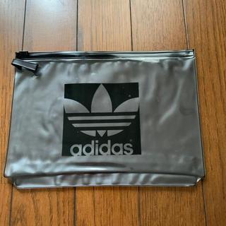 アディダス(adidas)のadidasビニールポーチ(その他)