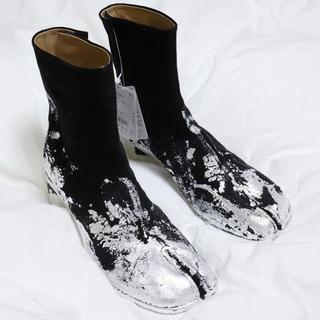 マルタンマルジェラ(Maison Martin Margiela)の20SS Maison Margiela 足袋ブーツ シルバーフォイルスウェード(ブーツ)