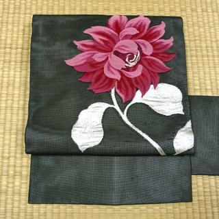 夏用 黒色に銀糸と紅色の花 名古屋帯(帯)