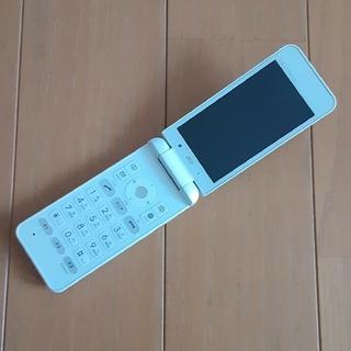 キョウセラ(京セラ)のau GRATINA 4G  SIMロック解除品 ホワイト(携帯電話本体)