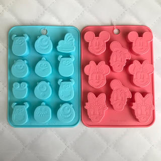 ディズニー(Disney)の【ディズニー】モールド チョコレート型 ミッキー&ミニー(菓子/デザート)