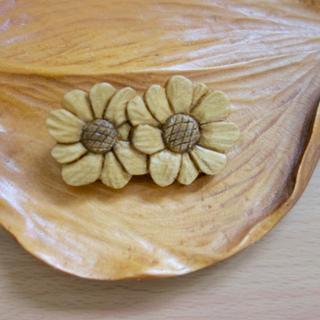 花の木製ブローチ(ブローチ/コサージュ)