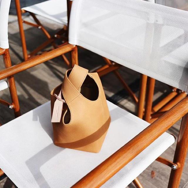 URBANBOBBY(アーバンボビー)の【美品】urban bobby SABLONS BAG CORDUROY レディースのバッグ(ハンドバッグ)の商品写真