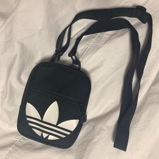 adidas ミニショルダーバッグ