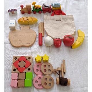 ファミリア(familiar)の木製おもちゃセット ファミリア ままごと ひも通し 電車(知育玩具)