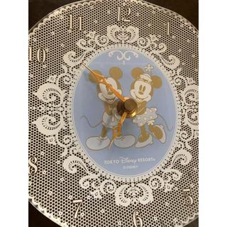 ディズニー(Disney)のミッキーミニーガラス置(掛け)時計(置時計)