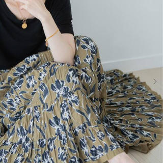 ノーブル(Noble)のマリハ 草原の虹のスカート(ロングスカート)