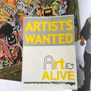 ロンハーマン(Ron Herman)のFREECITYフリーシティーUS限定非売品アートアライヴyellowステッカー(その他)