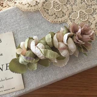 モーブバラとアンティークグリーン、ベージュ紫陽花のバレッタ(ヘアアクセサリー)