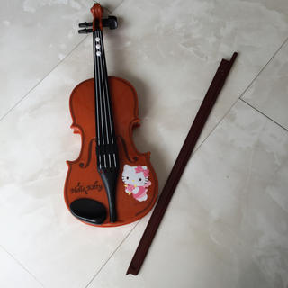 ハローキティ(ハローキティ)のハローキティのバイオリンおもちゃ(楽器のおもちゃ)