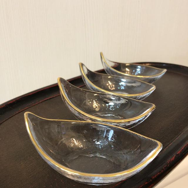 東洋佐々木ガラス(トウヨウササキガラス)のガラス舟型金縁     送料込み インテリア/住まい/日用品のキッチン/食器(食器)の商品写真