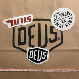 デウスエクスマキナ(Deus ex Machina)のDEUSステッカー①(その他)