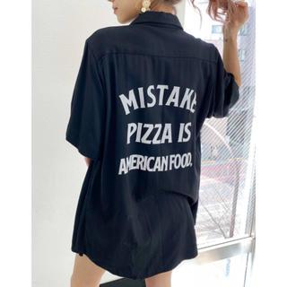 ジェイダ(GYDA)のPIZZAハーフシャツ(シャツ/ブラウス(半袖/袖なし))