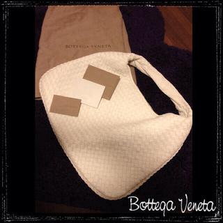 ボッテガヴェネタ(Bottega Veneta)の新品!ボッテガ定番レザーショルダー(ショルダーバッグ)