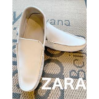 ザラ(ZARA)のZARA MEN ドライビングシューズ 希少ホワイト本革♪(スリッポン/モカシン)