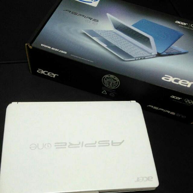 Acer(エイサー)のACER ASPIRE ONE  D257-A71C/WF スマホ/家電/カメラのPC/タブレット(ノートPC)の商品写真