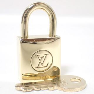 ルイヴィトン(LOUIS VUITTON)のA384 超美品 ルイヴィトン 旧パドロック 鍵 南京錠 カデナ(チャーム)