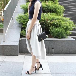 ノーブル(Noble)の白のスカート ノーブル(ひざ丈スカート)