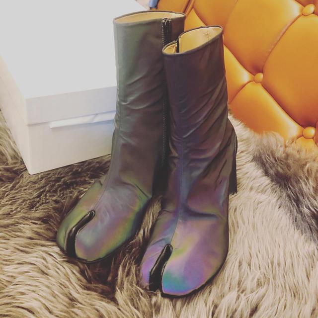 Maison Martin Margiela(マルタンマルジェラ)のマルジェラ足袋 Tabi稀少色 タビブーツ レディースの靴/シューズ(ブーツ)の商品写真