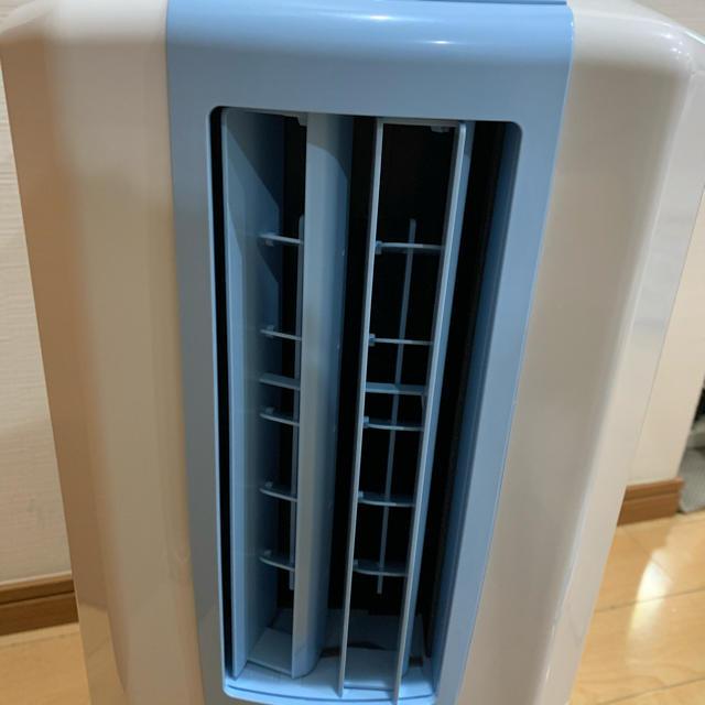 コロナ(コロナ)の最終値下げ コロナ 除湿機 CDM-1018 スマホ/家電/カメラの生活家電(加湿器/除湿機)の商品写真
