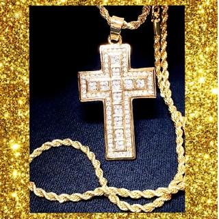 唯一無二の存在を… クロスデザイン ゴールドネックレス 金色(ネックレス)