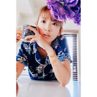 ケイタマルヤマ(KEITA MARUYAMA TOKYO PARIS)の新品 GU ケイタマルヤマ コラボ パジャマ フラワー ネイビー M 紗栄子(パジャマ)