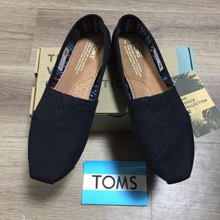 トムズ(TOMS)の新品未使用!正規品TOMS トムズ  ブラックオンブラック  23.5センチ(スニーカー)