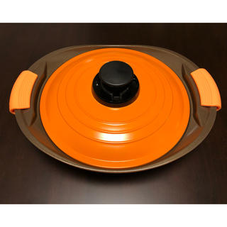 アイリスオーヤマ(アイリスオーヤマ)の【新品・未使用】アイリスオーヤマ 無加水鍋 24cm 浅型 オレンジ(鍋/フライパン)