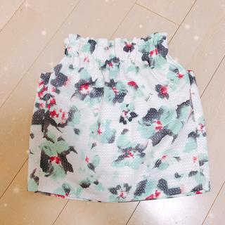 エベルモーション(EBELE MOTION)の花柄スカート (ミニスカート)
