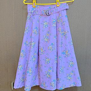 ダズリン(dazzlin)の新品未使用、 dazzlin花柄スカート パープル(ひざ丈スカート)