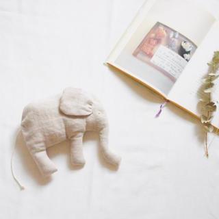 イデー(IDEE)のElephant. 象さんのオブジェ(ぬいぐるみ)