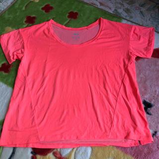 ユニクロ(UNIQLO)のシャツ(トレーニング用品)