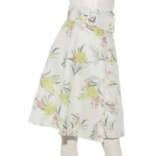 アプワイザーリッシェ(Apuweiser-riche)の花柄スカート(ひざ丈スカート)