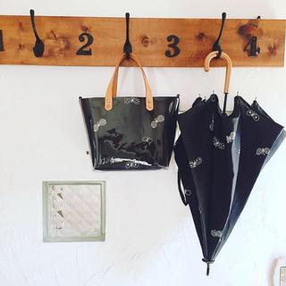 ミナペルホネン(mina perhonen)のミナペルホネンちょうちょ日傘とクリアバッグsold out(傘)