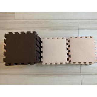 a様専用 ジョイントマット【全70枚(ブラウン35、アイボリー35枚)】(フロアマット)