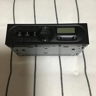 イスズ(いすゞ)のいすず 純正FM.AMラジオ トラック用(カーオーディオ)