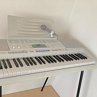 カシオ(CASIO)のカシオ キーボード LK205  スタンド付き(キーボード/シンセサイザー)