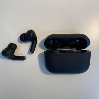 アップル(Apple)のBluetooth イヤホン Black pods pro(ヘッドフォン/イヤフォン)