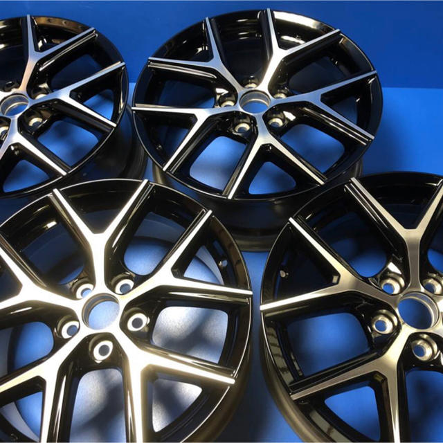 トヨタ(トヨタ)のハリアー 純正アルミホイール スタイルノアール スタイルアッシュ 新車外し 新品 自動車/バイクの自動車(ホイール)の商品写真