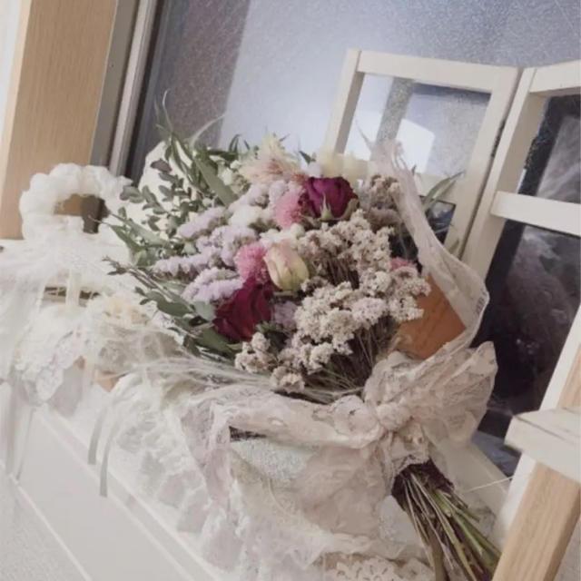 即購入ok ドライフラワー薔薇いっぱいのドライフラワースワッグb ハンドメイドのフラワー/ガーデン(ドライフラワー)の商品写真