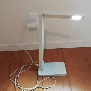 無印良品 LEDデスクライト(テーブルスタンド)