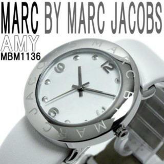 マークバイマークジェイコブス(MARC BY MARC JACOBS)のMARC BY MARC JACOBS ホワイトベルト 腕時計(腕時計)