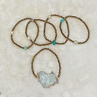 アッシュペーフランス(H.P.FRANCE)のPono'i ポノイー★ホワイト鉱物石 5連ブレスレット(ブレスレット/バングル)