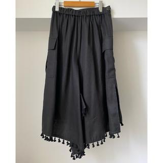 オキラク(OKIRAKU)のOKIRAKU オキラク フリンジ デザイン スカート ブラック(ロングスカート)