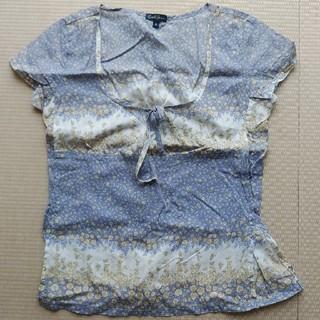 アールジーン(Earl Jean)の花柄トップス(シャツ/ブラウス(半袖/袖なし))
